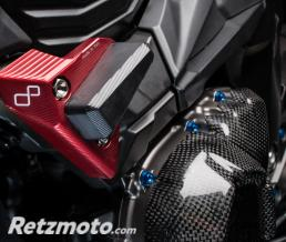 LIGHTECH Tampon de protection LIGHTECH rouge Kawasaki Z800 - STEKA112ROS